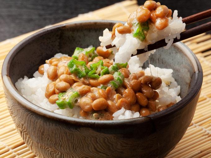 オクラと納豆ご飯の画像
