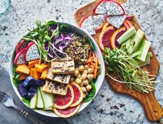 おしゃれなのにヘルシー!7色の野菜を食べる「虹色ダイエット」