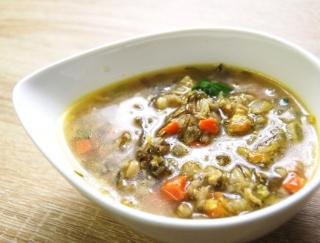 4.2gの食物繊維がとれる!たっぷりの野菜を食べやすいサイズにカットしたセブンの新作「12品目具材の和風生姜スープ」