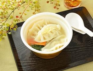 公式サイトで掲載された「鶏だしと生姜の餃子スープ」