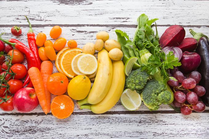カラフルな野菜や果物