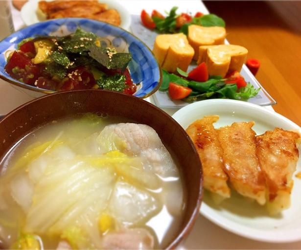 サラダなど佐藤さんの自炊料理