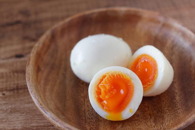 塩麹味の半熟煮卵
