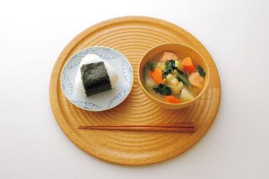 和食の昼食の食事例