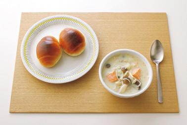 洋食の昼食の食事例