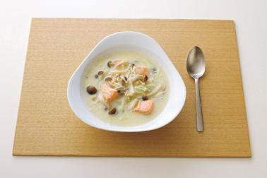 洋食の夕食の食事例