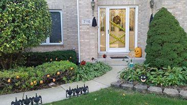 家の前もちゃんとハロウィン用に飾りお出迎えも盛り上げます