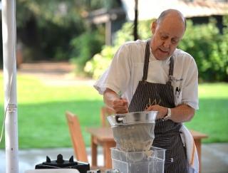 アーモンドの本場カリフォルニアで活躍するシェフが教えるおいしいアーモンドミルクの作り方