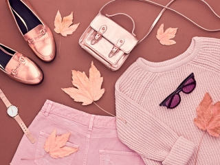 ピンクのファッションコーデの画像