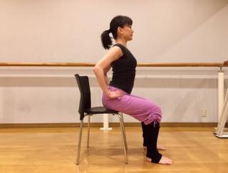 座ったまま体がぽかぽかに!バレエダンサーが教える「冷え症対策ストレッチ」