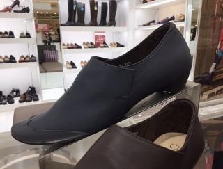 痛くないツラくない、足のトラブルとはもはや無縁に!色違いでそろえたくなるオシャレ靴の選び方