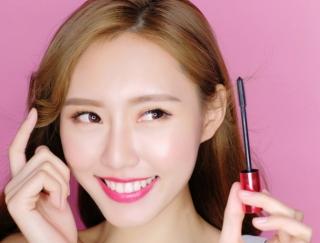 50種類以上の理想メイクに大変身できる自撮りカメラアプリ「MakeupPlus」