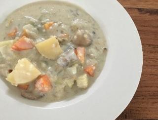 あったかスープが飲みたい季節にぴったり!「キビとヒエのクラムチャウダー」