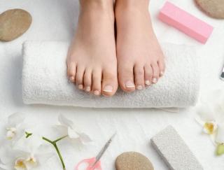 腰痛や肩こりの原因は足の指!? 自宅で簡単にできる「足指ストレッチ」とは