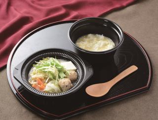 """""""鍋""""と""""シメ""""をセットにした新型コンビニフード!「鶏つくねの鶏だし生姜鍋(玉子雑炊)」がローソンから登場"""