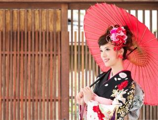 """中島早貴さんと矢島舞美さんが体験! 振袖をドレスとして着る""""オリエンタル和装"""""""