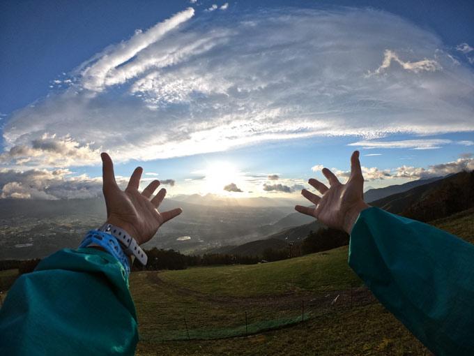 GoPro写真のコツとしては、手を入れると、見た人がその場にいるような臨場感がでます。