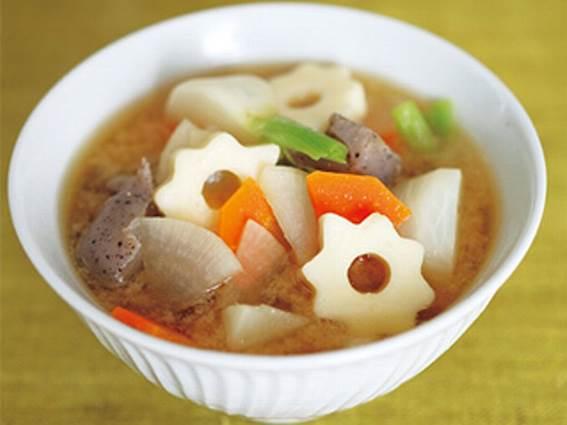 根菜とちくわぶの具だくさん菌活みそ汁