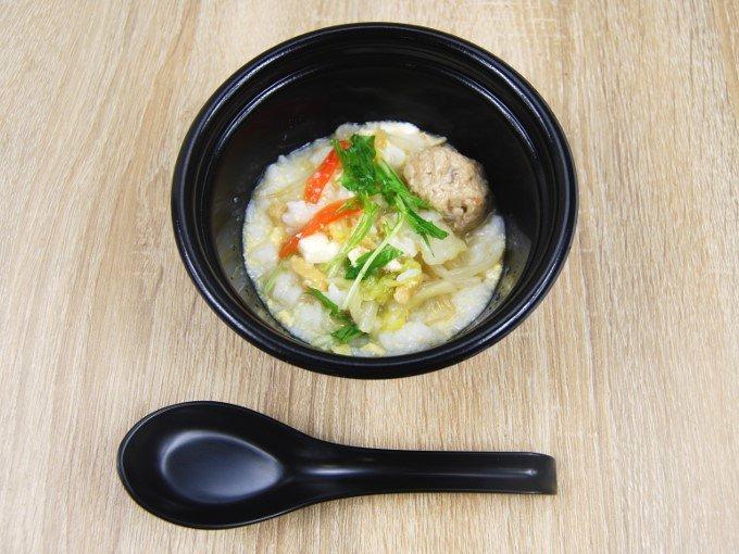 「鶏つくねの鶏だし生姜鍋(玉子雑炊)」を雑炊にしたときの画像