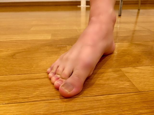 バレエダンサー武田亜希子さんの右足