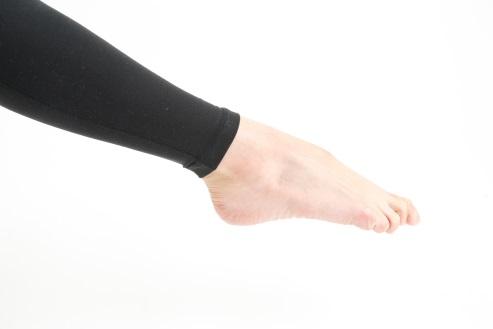 足首をまっすぐ伸ばす
