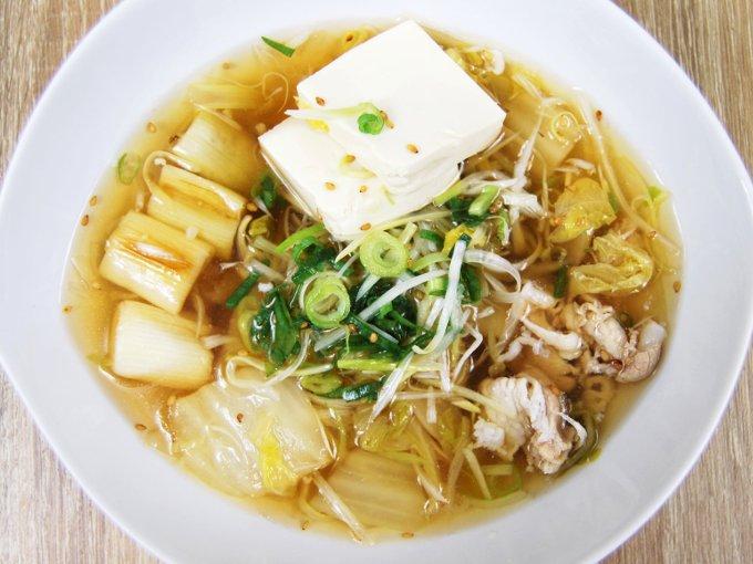 皿に移した「1/2日分の野菜! ねぎ鍋(そばつゆ仕立て)」の画像