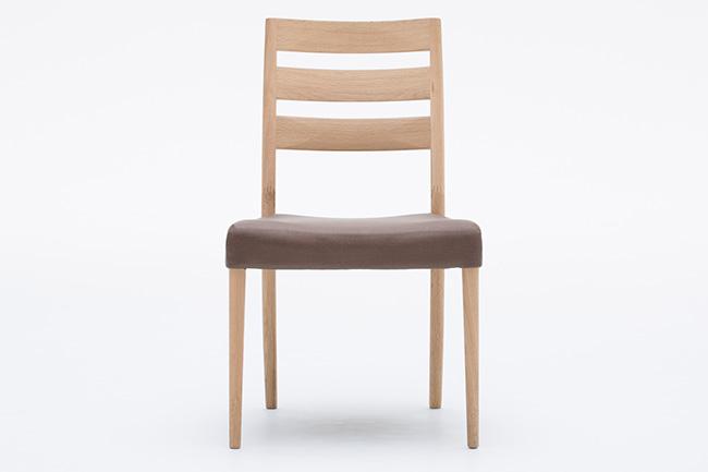 カリモク「食堂椅子 CT6115E562 張地合成皮革」