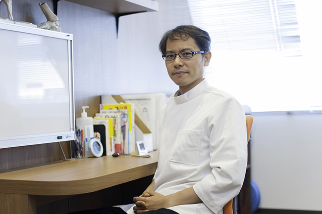 整形外科医・カイロプラクター / 竹谷内 康修