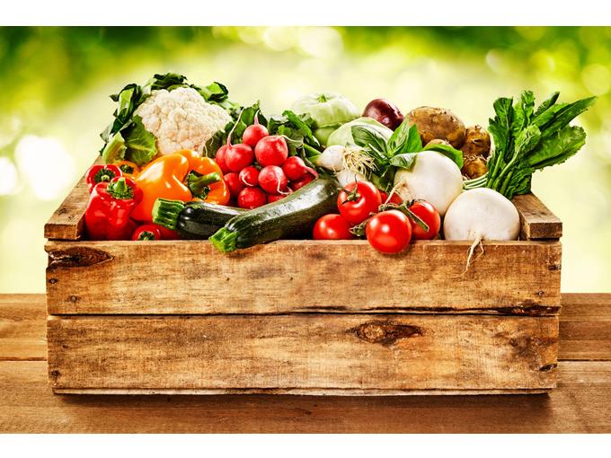 箱いっぱいの野菜