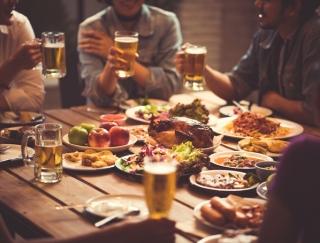 飲み会シーズンでも脂肪をためないコツ。管理栄養士が教える太らないお酒の飲み方