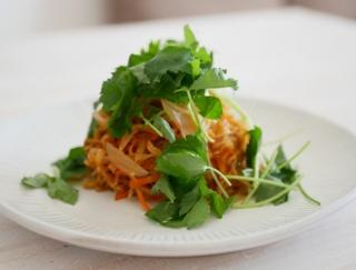 食べすぎでお腹まわりが気になる!? そんな日にピッタリの韓国風ピリ辛切り干し大根レシピ