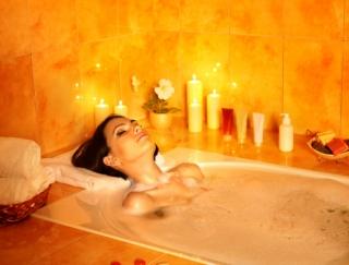 """お風呂が""""極上の癒し空間""""に!スマホでバスライトが使えるアプリ「お風呂deライト」"""
