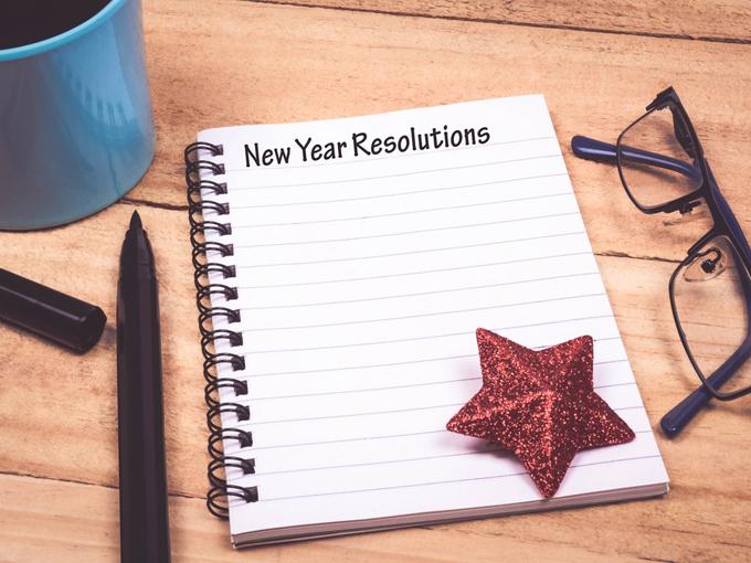 「New Year Resolution」書かれているノート