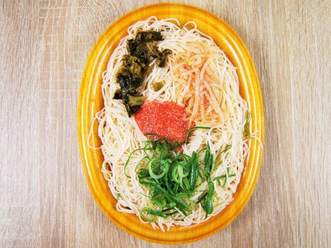 お皿に移した「明太子と高菜の焼ビーフン」の画像