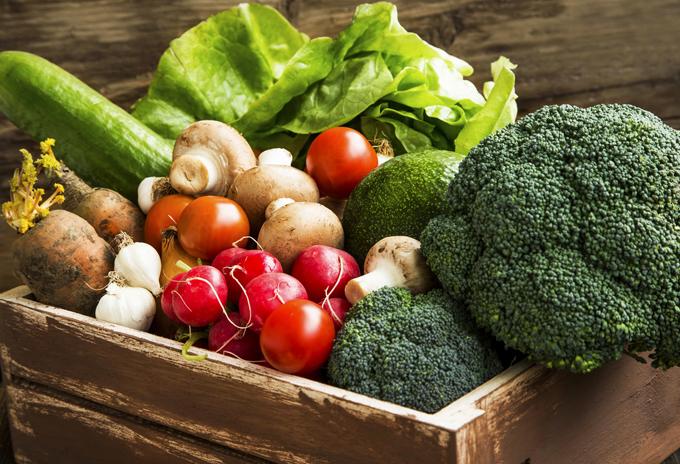 食物繊維が豊富な野菜やきのこをまず食べること