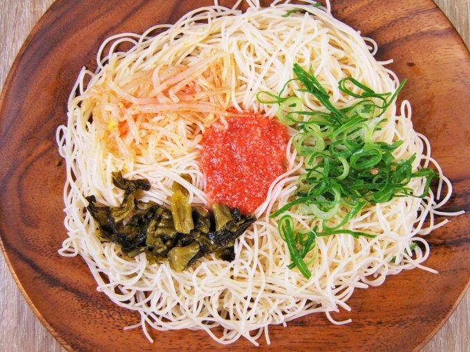 お皿に移した「明太子と高菜の焼ビーフン」のアップ画像