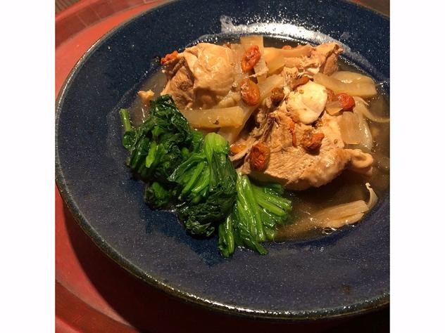 サムゲタン風骨つきのスープ