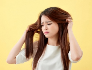 冬に困る「頭皮のかゆみ」改善に効果的な5つの方法を美容師が解説!