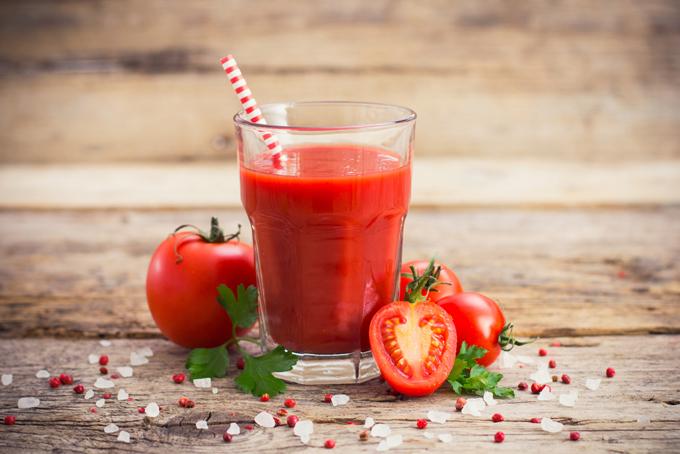トマトジュースでむくみ予防