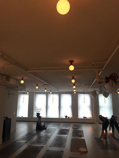 cスタジオ1:「自然光が差し込むスタジオ」