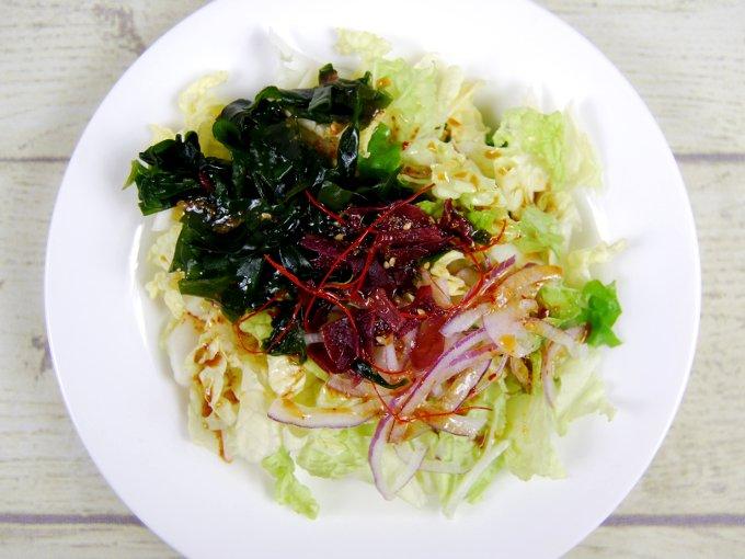 お皿に移した「白菜のチョレギサラダ」のアップ画像