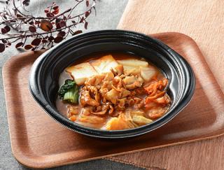 辛うまスープが絶品♪ 心も体も温まるローソンの「味噌仕立ての豚キムチ鍋」