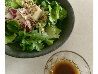 腸も喜ぶ発酵ドレッシング「雑穀キヌアとしょうゆ麹のドレッシングのサラダ」