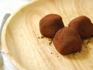 高級感漂うリッチなテイスト♡セブンの新商品「苺ちょこもち 3個入り」にファン急増中