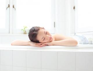 【温泉療法専門医がすすめる】シャワー派はお風呂に入ろう!入浴の「7大健康作用」
