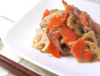 ピリ辛テイストがクセになる!ファミマお母さん食堂の新商品「蓮根と人参のきんぴら」