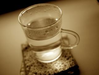 冬の朝、一杯の白湯から腸が変わる! 冬場の便秘対策、これが正解
