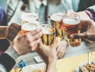 「とりあえず生」が二日酔いを防ぐ!? 医師が教えるお酒の飲み方