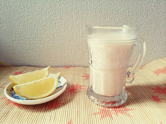 酒粕甘酒とレモンの画像