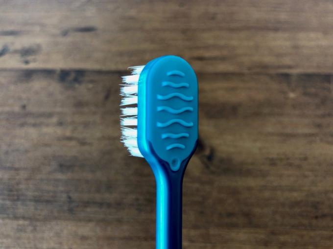 歯ブラシの裏側